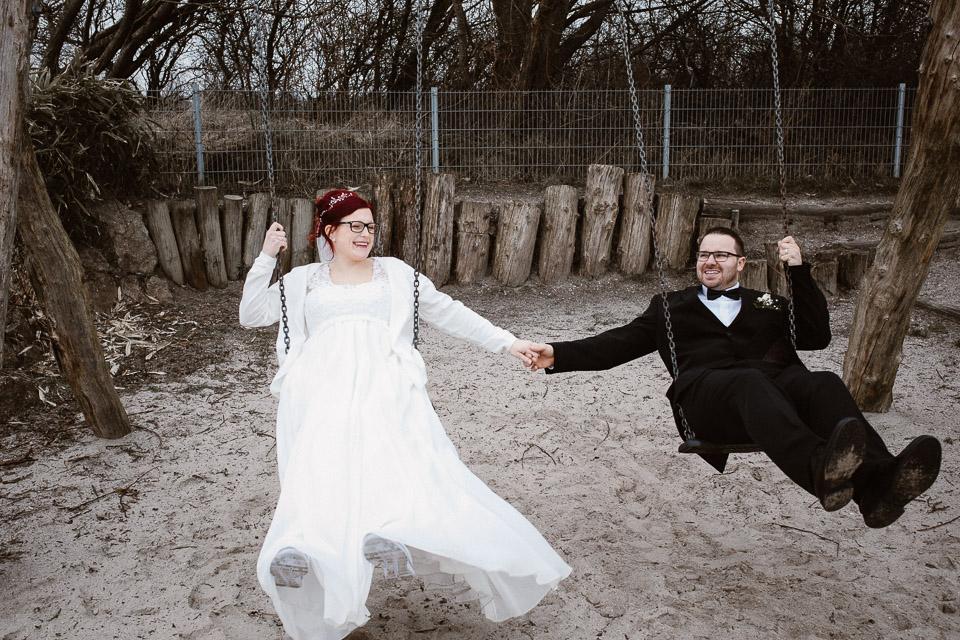 Trauung von Sarah und Daniel im Wattenmeerhaus in Wilhelmshaven 57