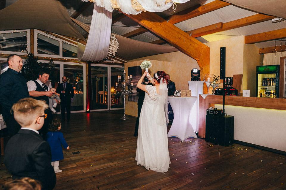 Trauung von Sarah und Daniel im Wattenmeerhaus in Wilhelmshaven 86