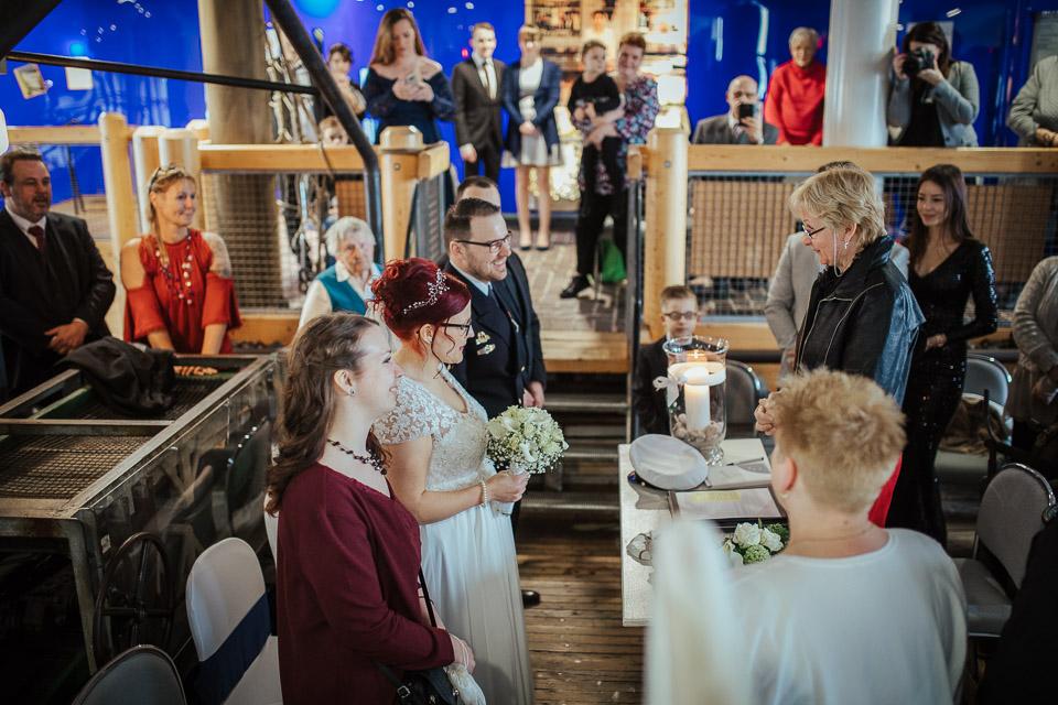 Trauung von Sarah und Daniel im Wattenmeerhaus in Wilhelmshaven 11